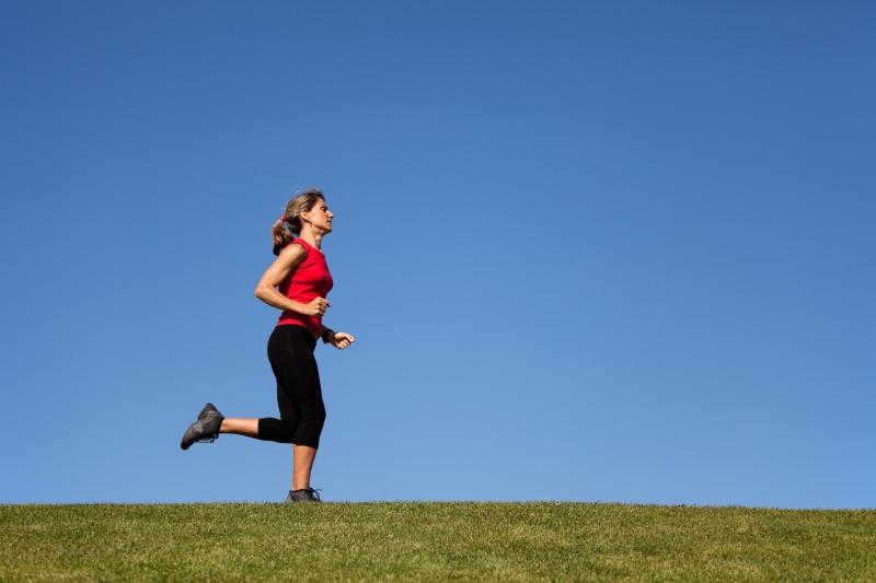 972979-woman-running