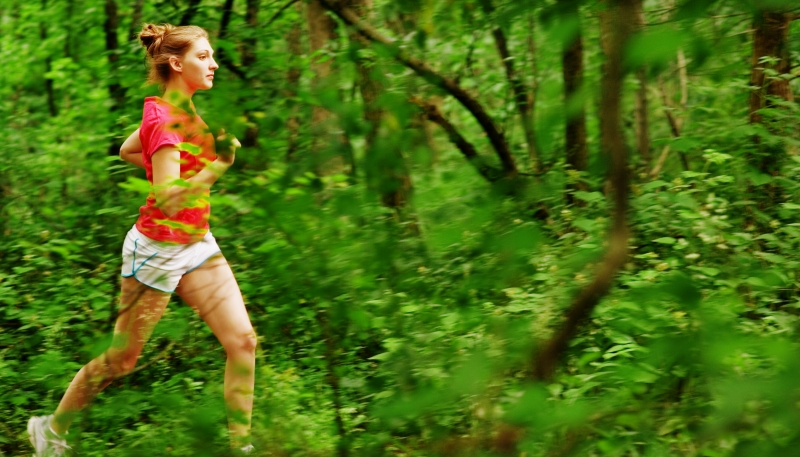 647662-woman-in-red-running